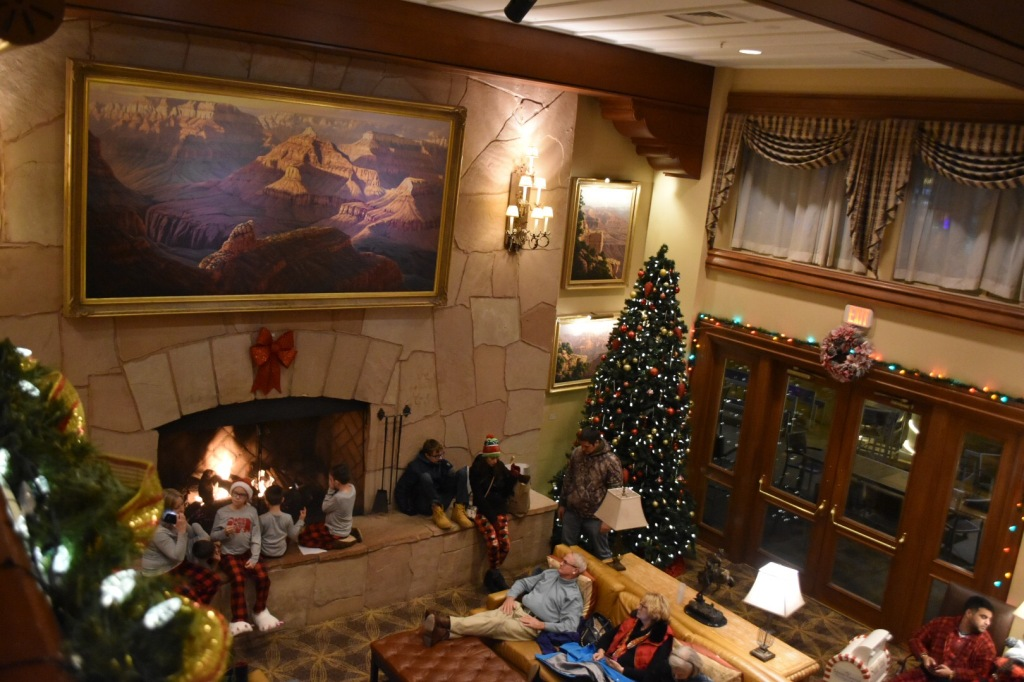 MilMomAdventures - Grand Canyon Hotel